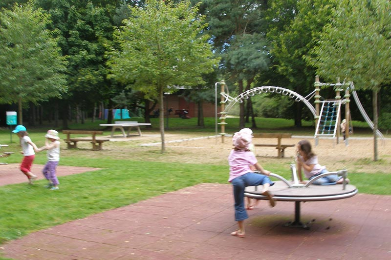 Camping des gayeulles rennes camping 3 toiles bretagne for Gayeulles rennes piscine