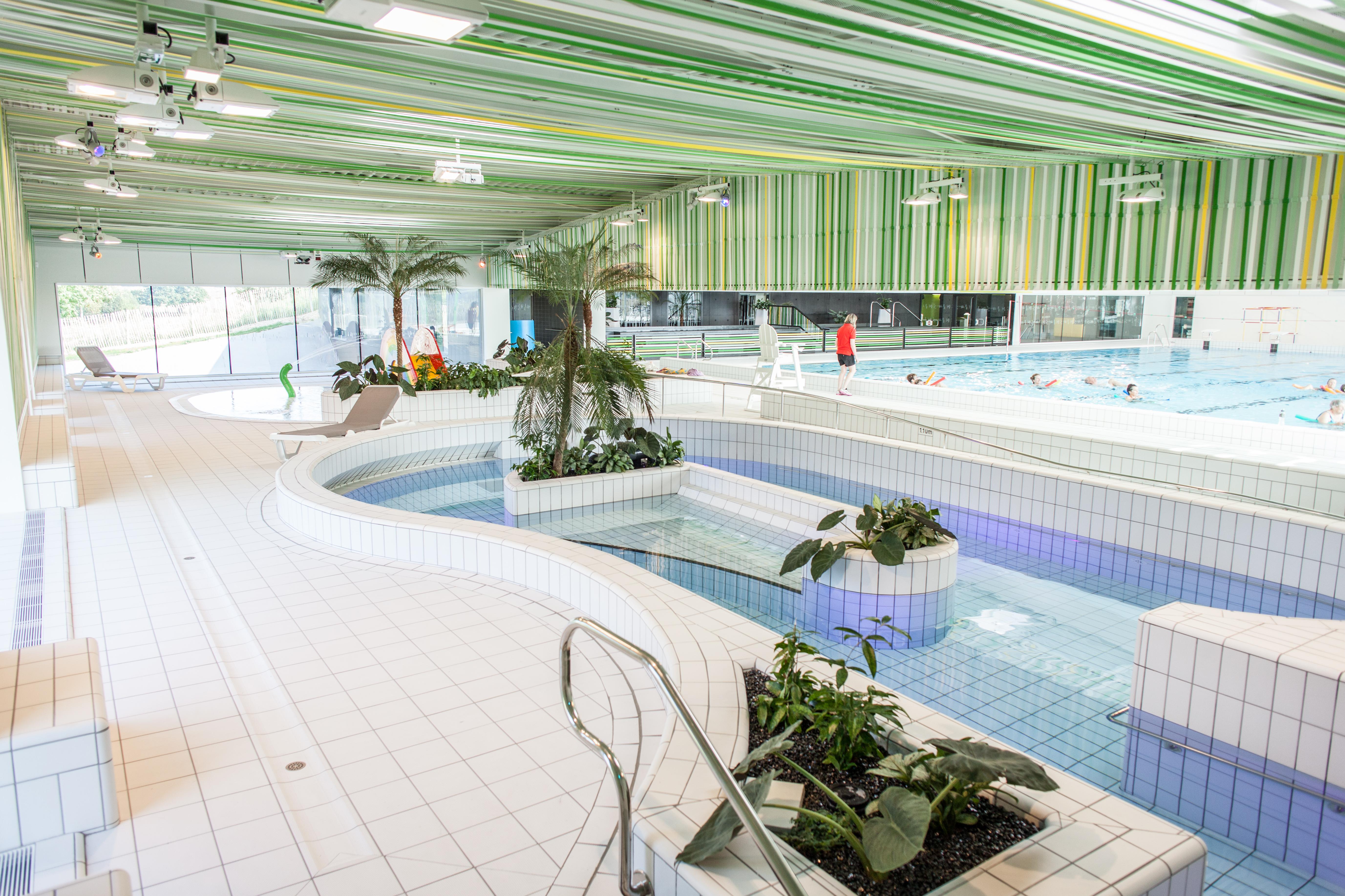 Centre aquatique les ondines janz baln oth rapie piscine for Voir piscine