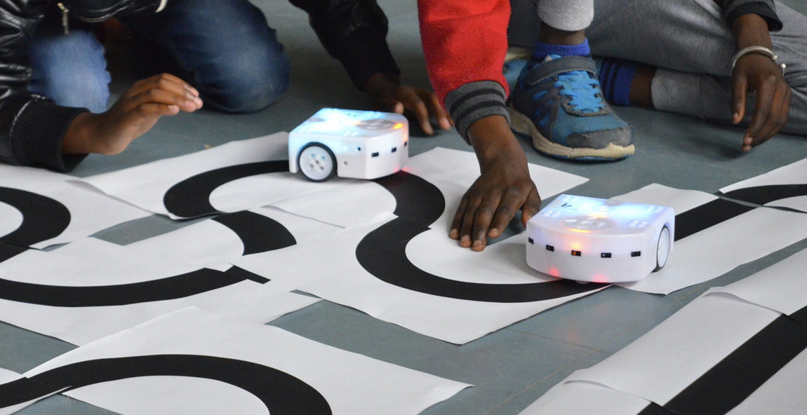 Montfort Communauté : Atelier : dresseurs de Robots par l'association Electroni[k]