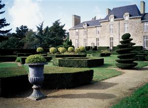 chateaulaballue1