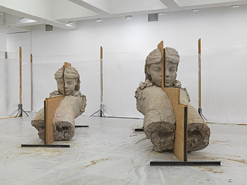 Mark Manders - Room with Unfired Clay Figures