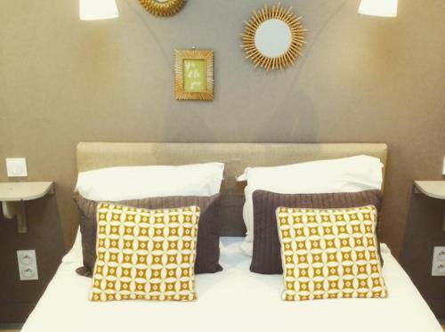 Hotel-Saint-Michel-Dinard-chambre-double-grise