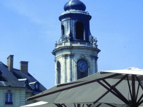 Rennes---horloge-mairie---Yolaine-Gautier.jpg-800