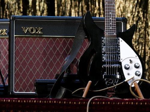 guitar-3131893_640